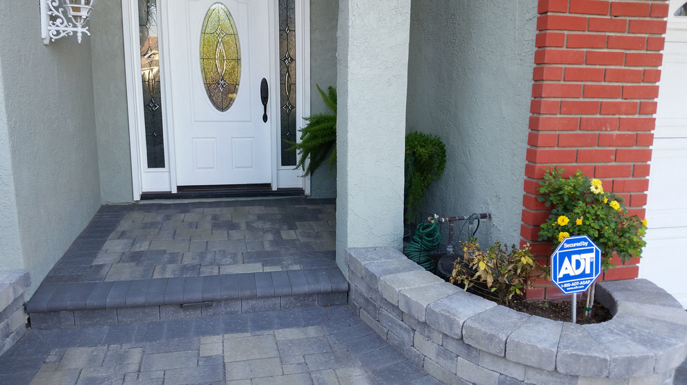 Angelus Pavers for Traditional Patio with Hardscapes