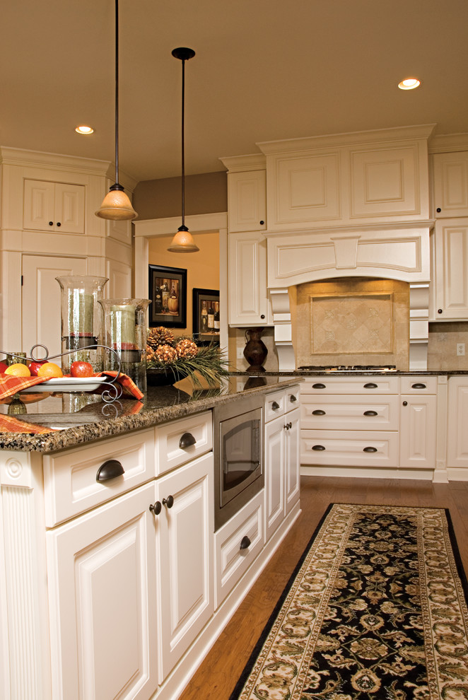 Aristokraft Cabinets for Traditional Kitchen with Traditional