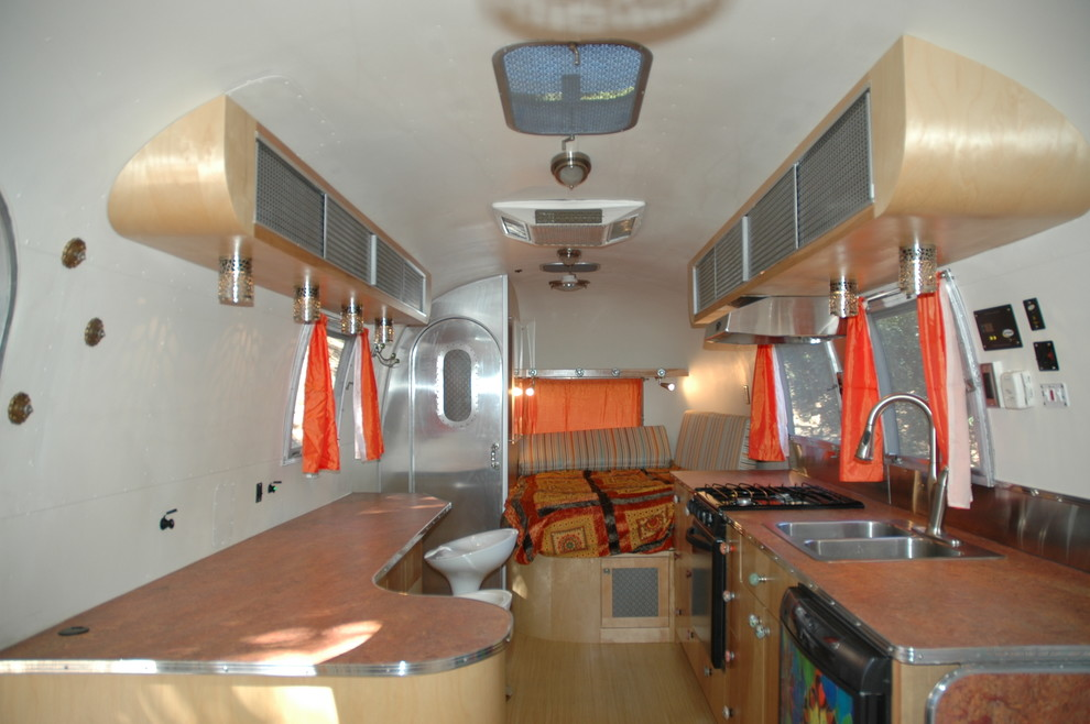 Avalon Rv for Contemporary Kitchen with Accent