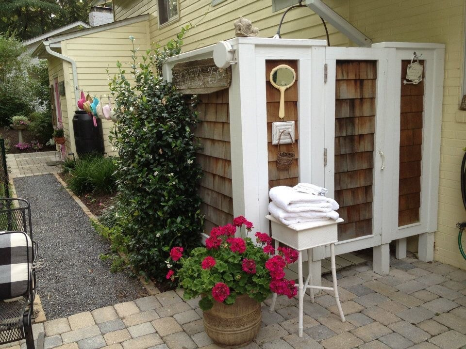 Bloomin Gardens for Traditional Spaces with Hard Scape Concrete Pavers