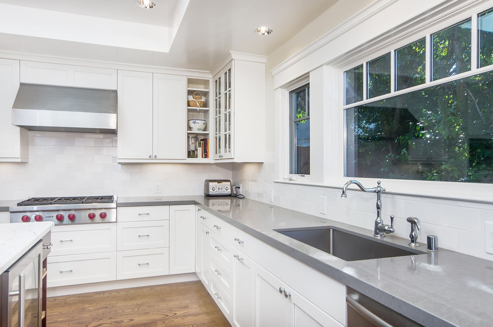 Ceaserstone for Craftsman Kitchen with Recessed Lights