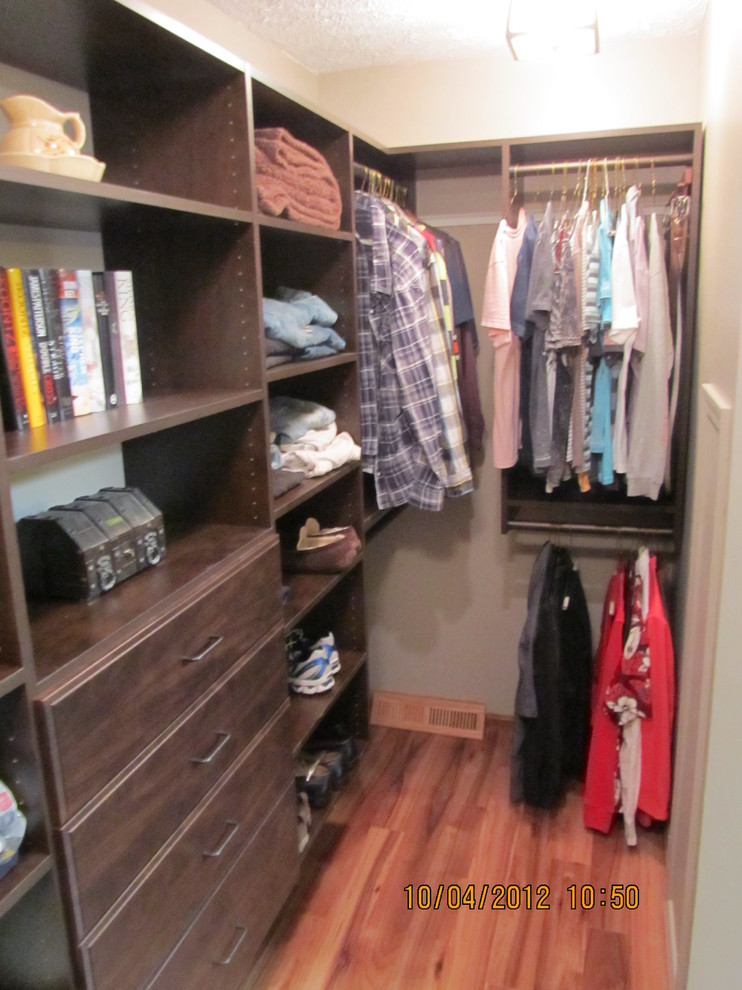 Closet Mentor for Traditional Closet with Mentor