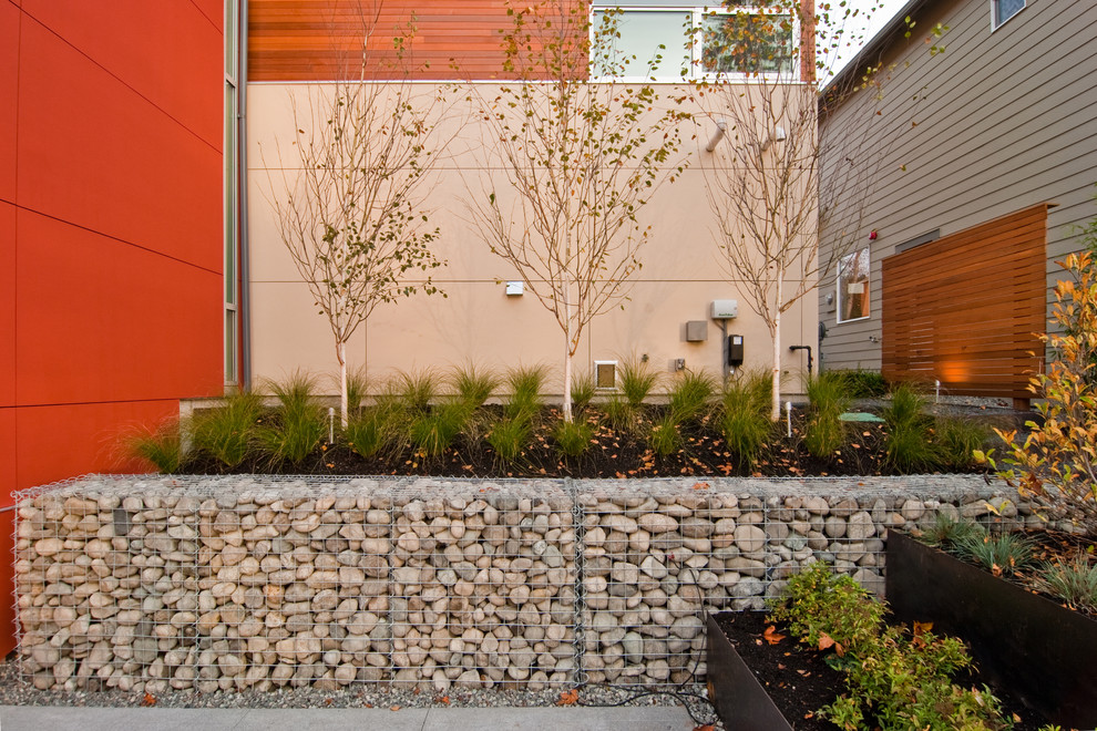 Cobblestone Wall for Contemporary Landscape with Modern