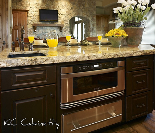 Cutting Edge Granite for Rustic Kitchen with Kitchen Island