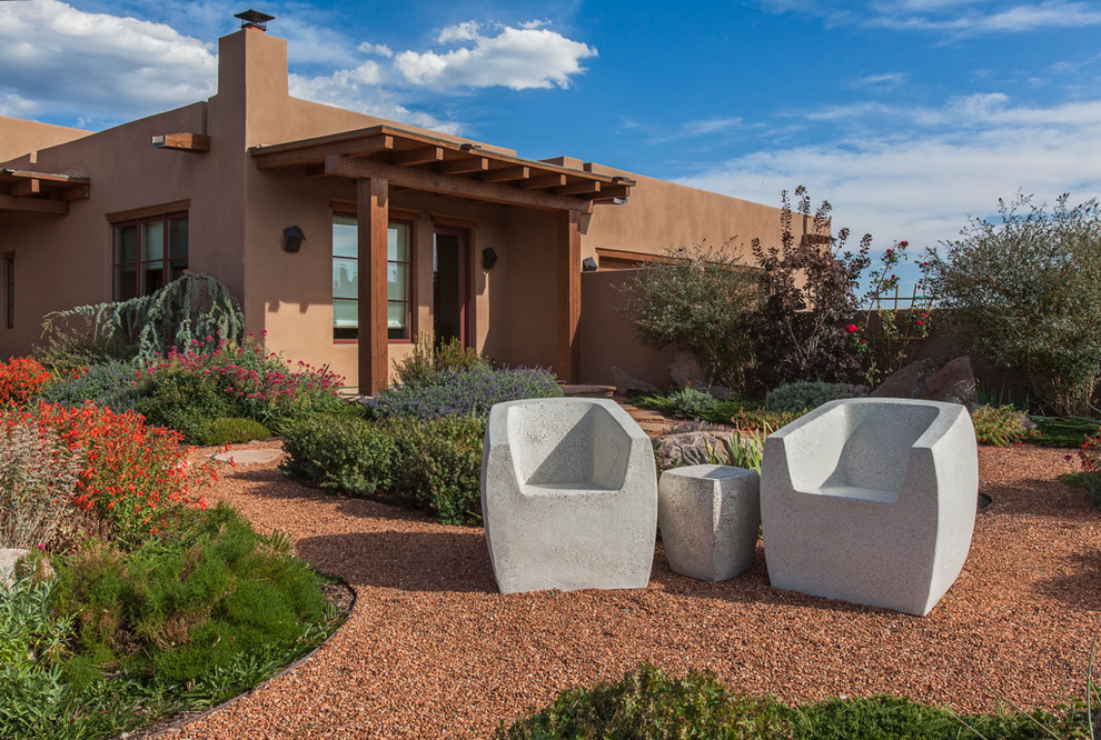 Decomposed Granite for Southwestern Exterior with Concrete Furniture