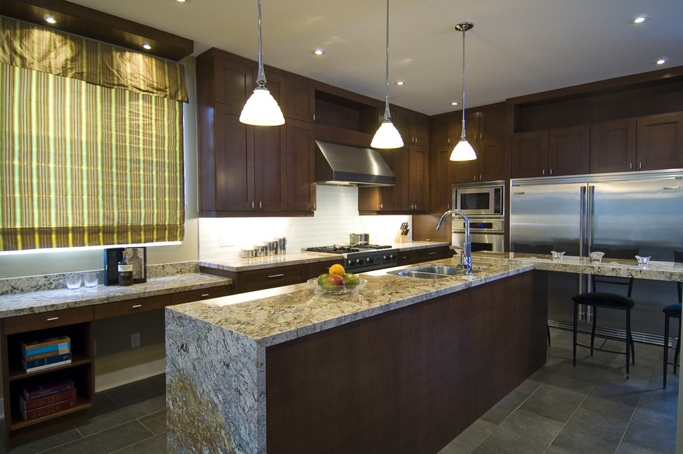Delicatus Granite for Contemporary Kitchen with Subway Tiles