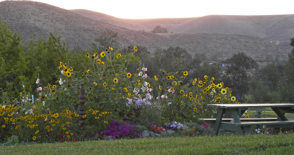 Eastern Oregon Telecom for Farmhouse Landscape with Grass