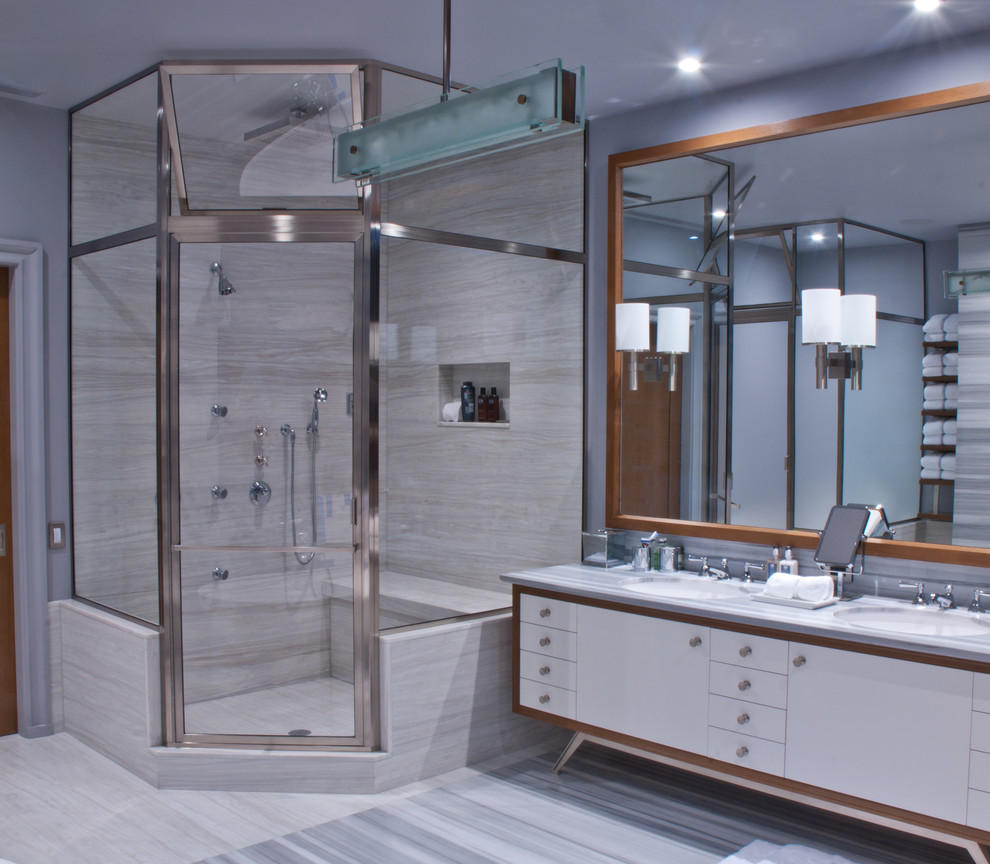 Glasscraft for Modern Bathroom with Deluxe Shower Door