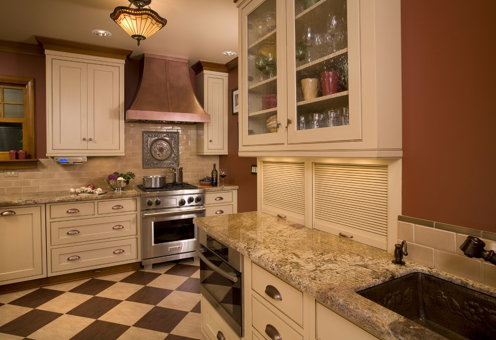 Greenfield Cabinets for Traditional Kitchen with Marmoleum Flooring