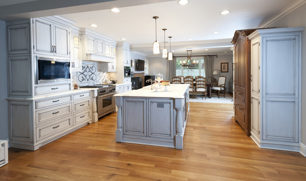 Guy Chaddock for Traditional Kitchen with Open Kitchen