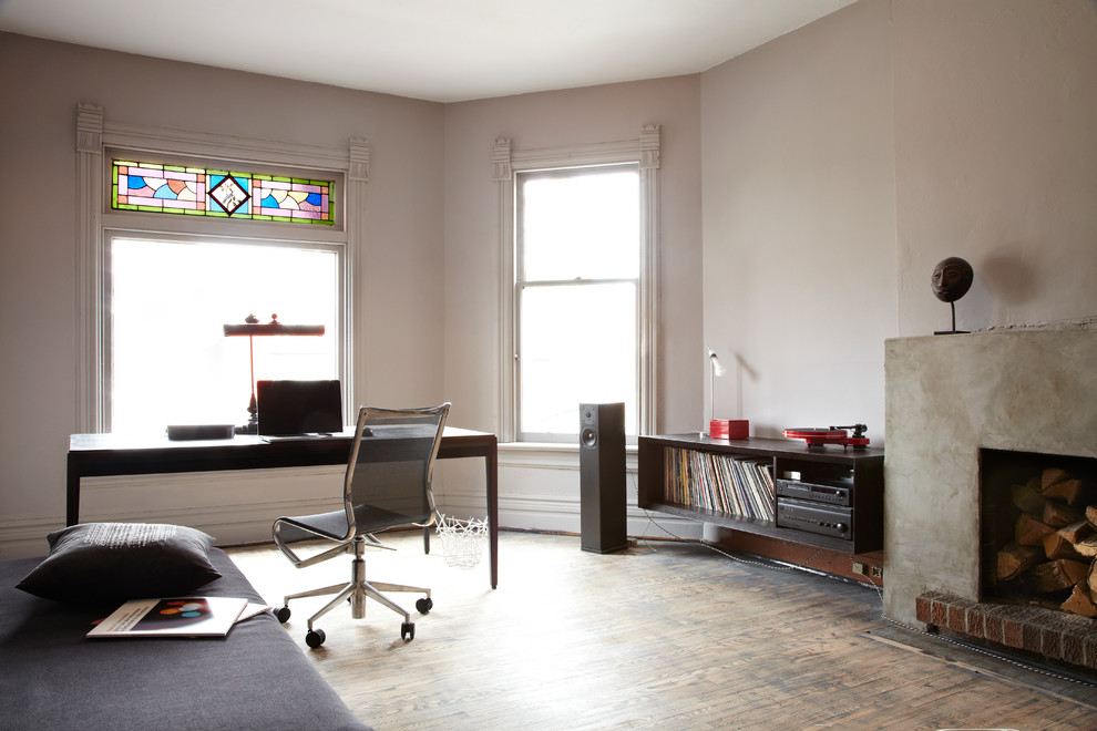 Hifi Buys for Contemporary Home Office with Desk