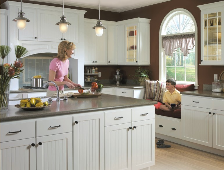 Homecrest Cabinetry for Traditional Kitchen with Homecrest