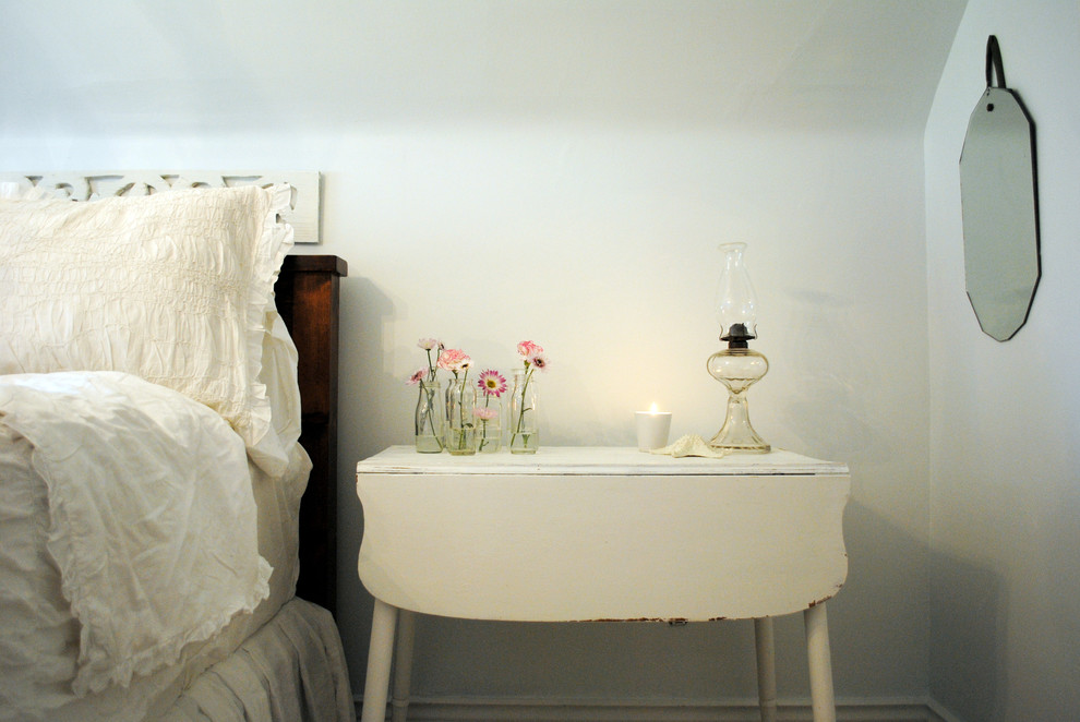 How to Refinish a Table for Shabby-Chic Style Bedroom with Wood Headboard