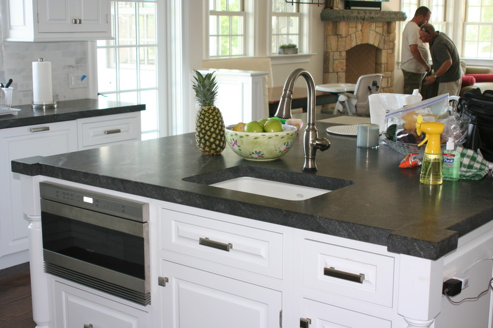 Jet Mist Granite for Traditional Kitchen with Honed Jet Mist
