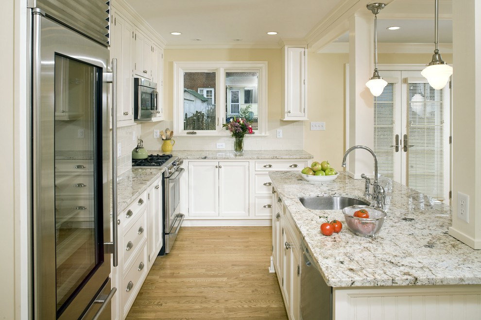 Kashmir White Granite for Traditional Kitchen with Fridge with Glass Door