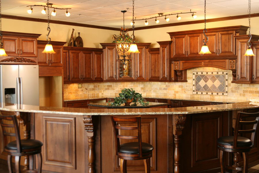 Lily Ann Cabinets for Traditional Spaces with Bristol Coffee Kitchen