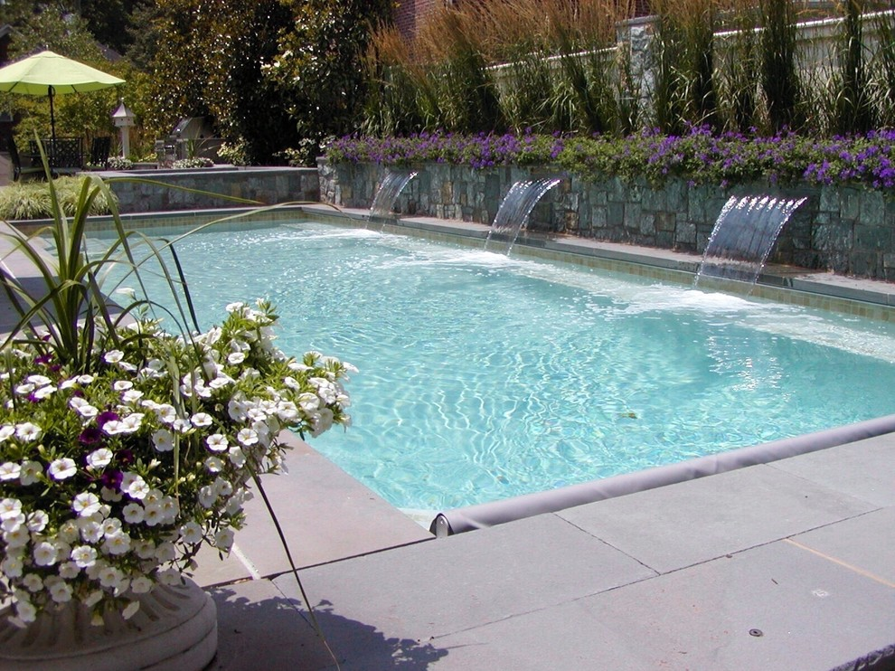 Lowball Glass for Traditional Pool with Fountain