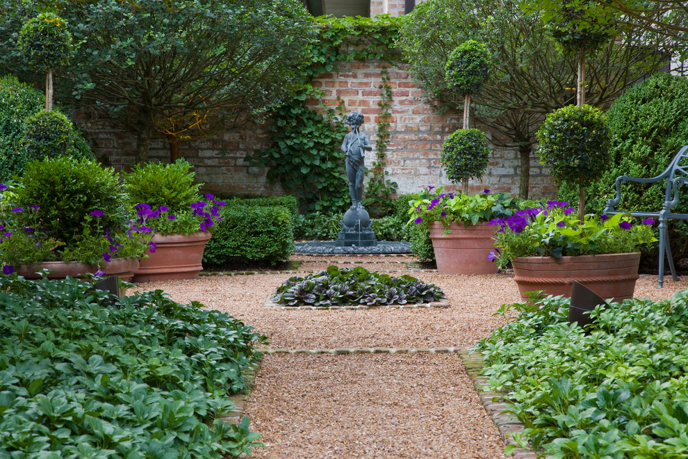 Mariani Landscape for Traditional Landscape with Brick Wall