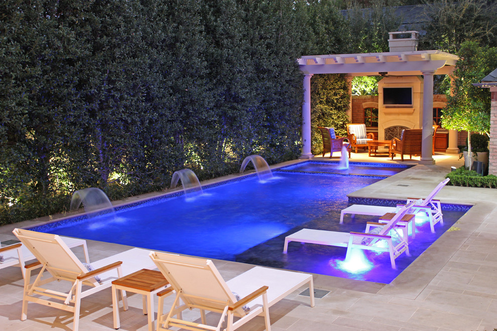 Meteor Lighting for Modern Pool with Bubbler Jet