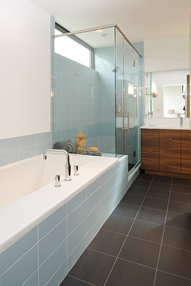 Mosa Tile for Modern Bathroom with Tile Tub Surround