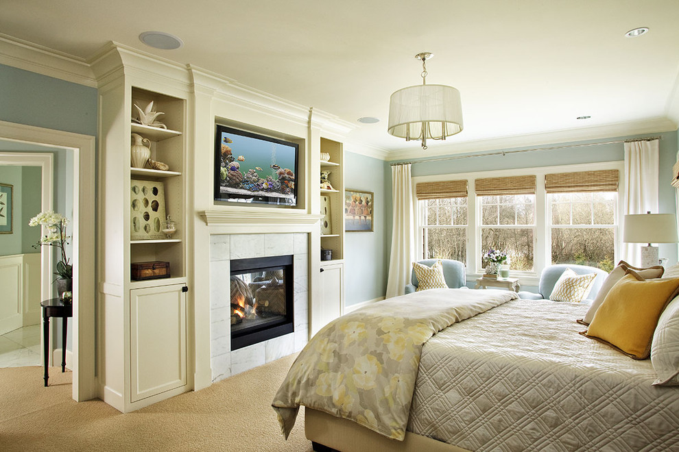 Navajo White Paint for Traditional Bedroom with Wood Trim