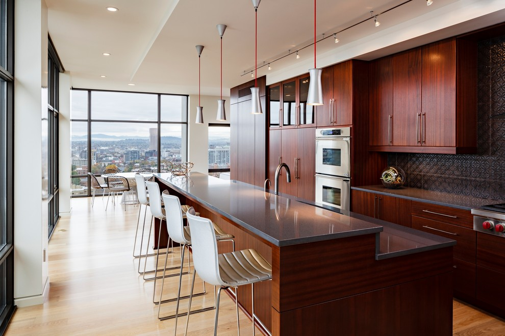 Pental for Modern Kitchen with Picture Windows