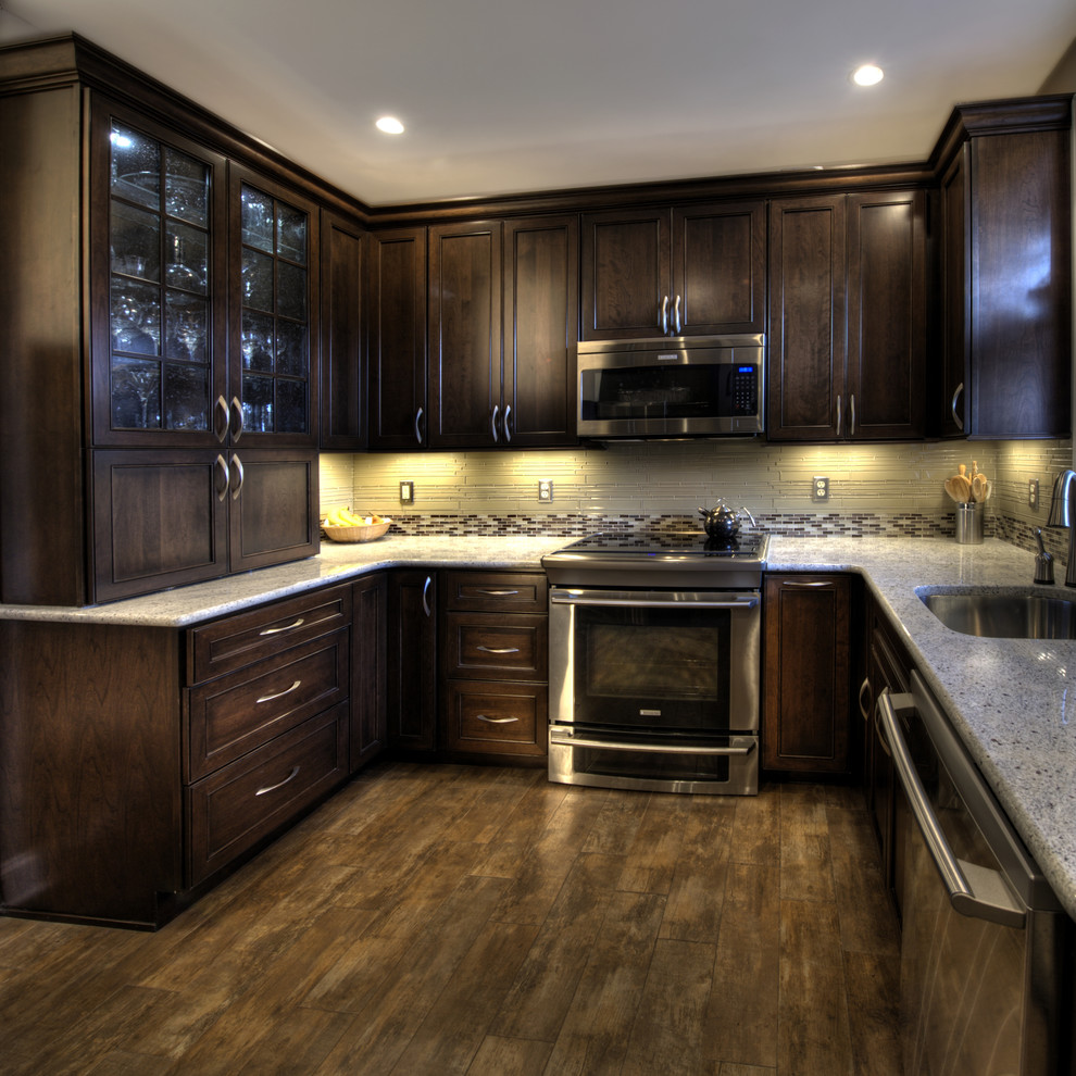 Porcelain vs Ceramic Tile for Traditional Kitchen with Tile Backsplash