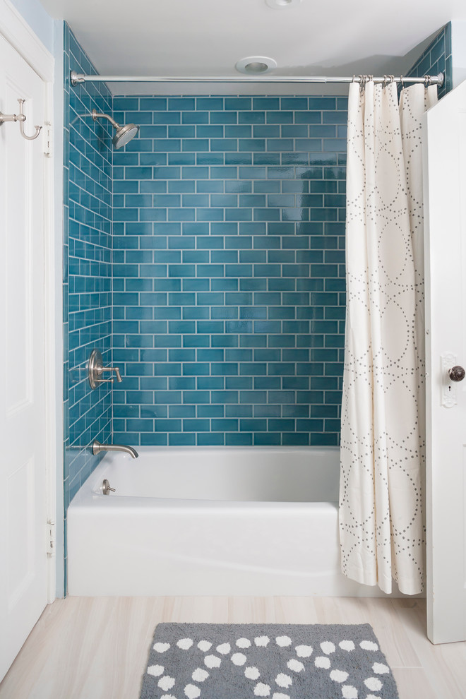 Rectified Tile for Traditional Bathroom with Teal Blue