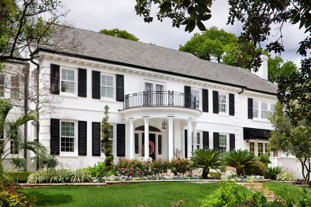 Sherwin Williams Dover White for Traditional Exterior with Shrubs