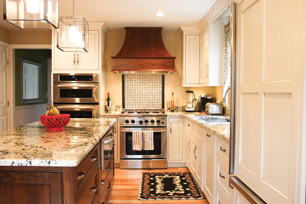 Shiloh Cabinetry for Traditional Kitchen with Traditional