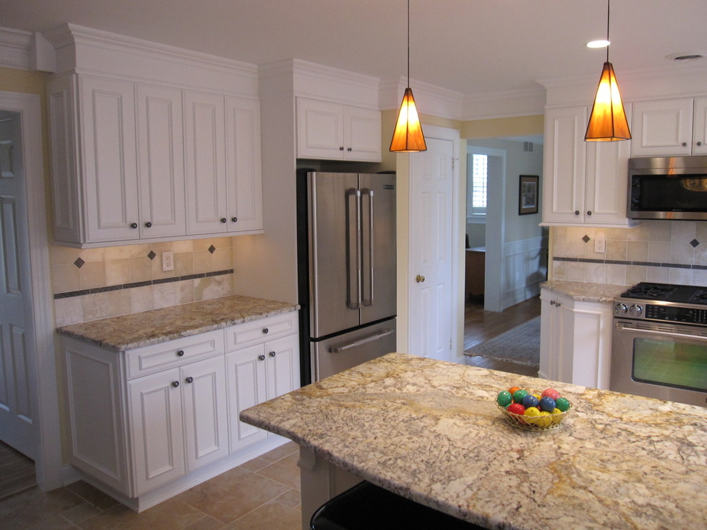 Sienna Bordeaux Granite for Traditional Kitchen with Traditional
