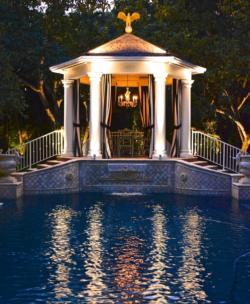 South Dade Lighting for Traditional Landscape with Post
