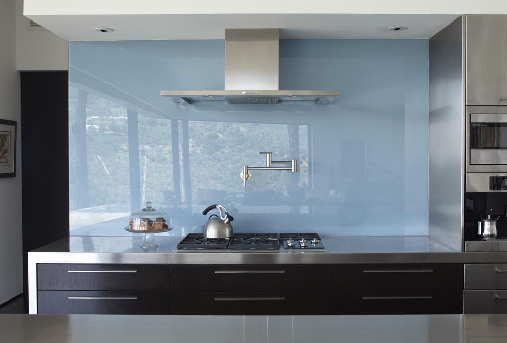 Starfire Glass for Modern Kitchen with Dark Wood Cabinets