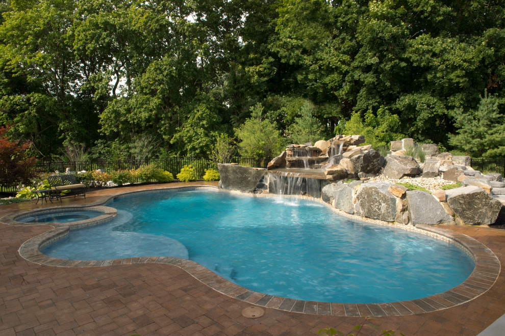Sylvan Pools for Traditional Pool with Tanning Ledge