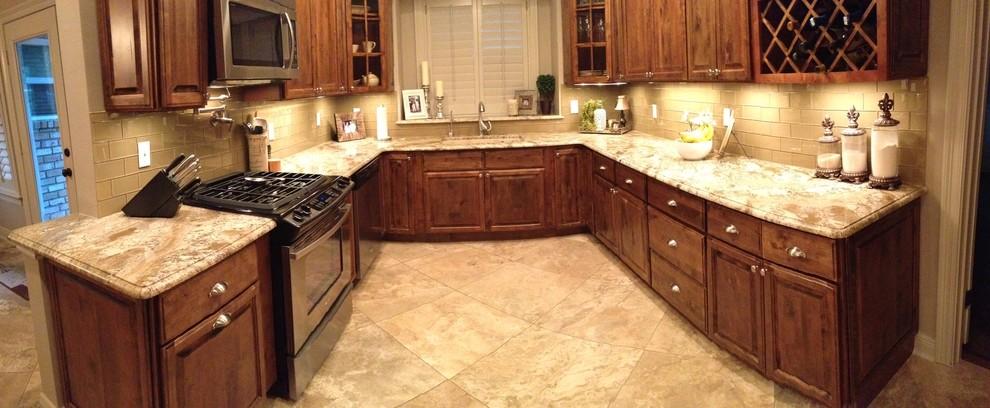 Triton Granite for Traditional Kitchen with Countertops