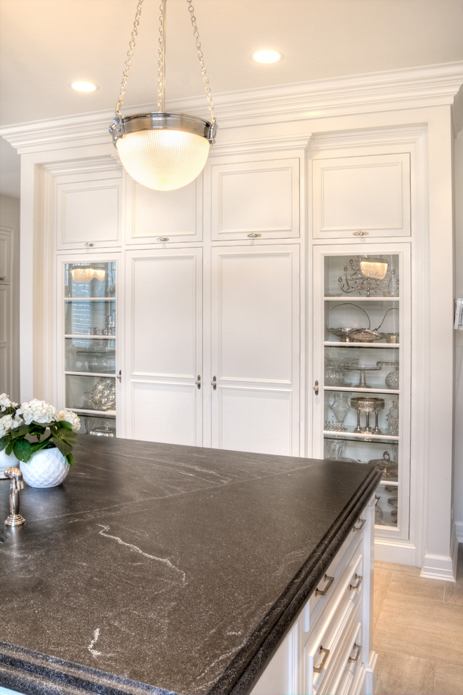 Virginia Mist Granite for Transitional Kitchen with Highland Park