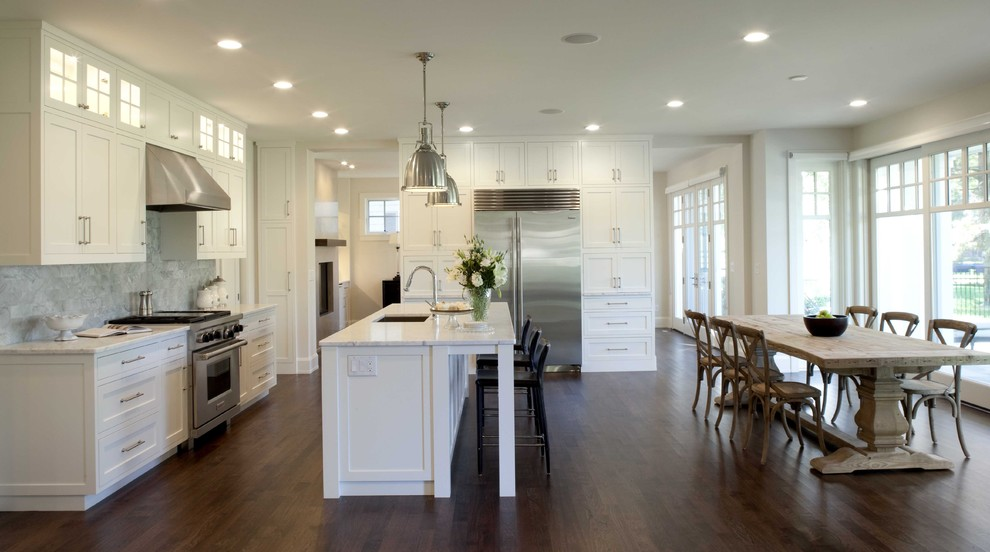 Who Makes Frigidaire for Traditional Kitchen with Breakfast Bar