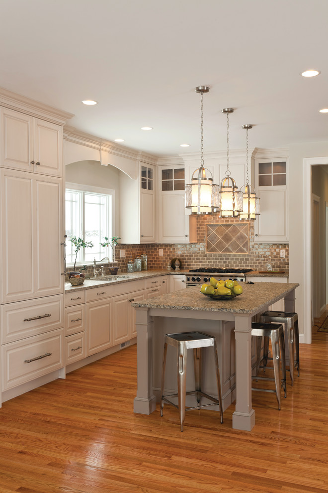 2700k Light for Traditional Kitchen with Recessed Lighting