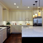 2700k Light for Traditional Kitchen with White Cabinets