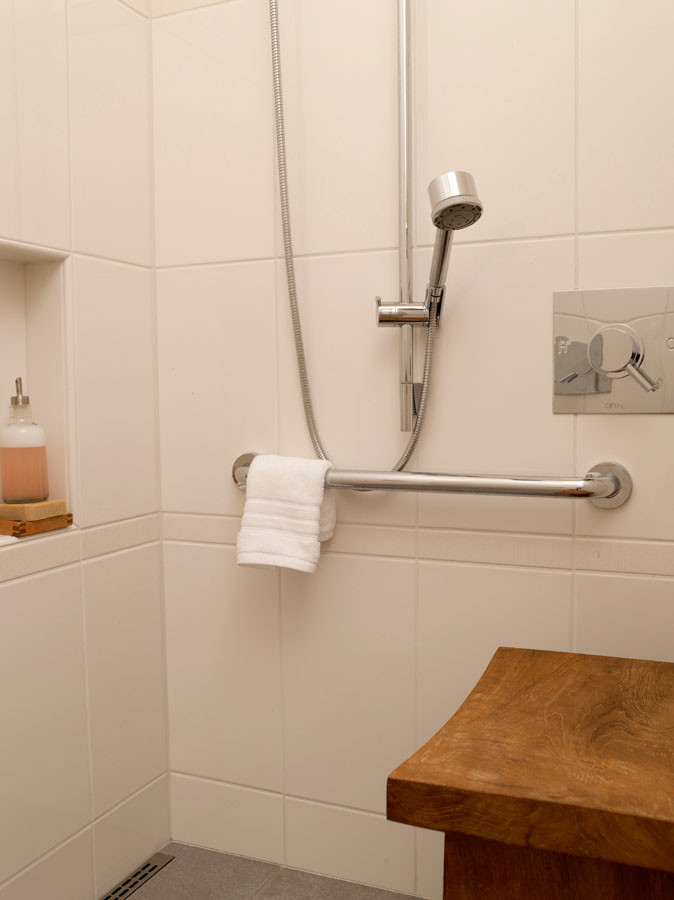 Ada Grab Bar Height for Midcentury Bathroom with Quickdrain