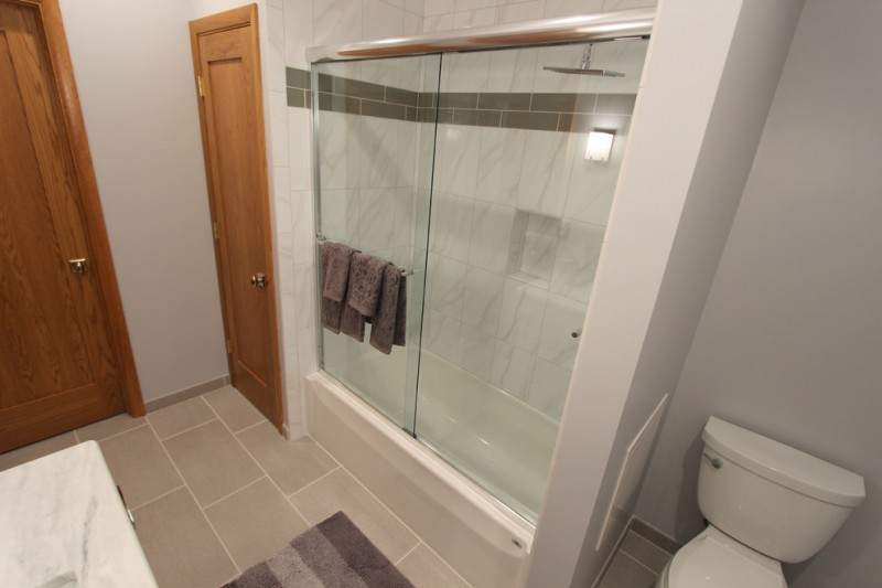 Aker Tubs for Contemporary Bathroom with Rectangular Sink