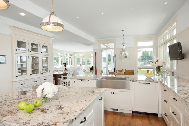 Alaskan White Granite for Traditional Kitchen with Farmhouse Sink