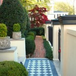 Atlanta Homes and Lifestyles for Traditional Landscape with Shaped Hedge