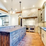 Bianco Antico Granite for Rustic Kitchen with Custom Made Kitchen Island