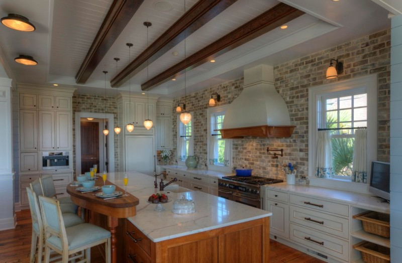 Boral Bricks for Traditional Kitchen with Basket Storage