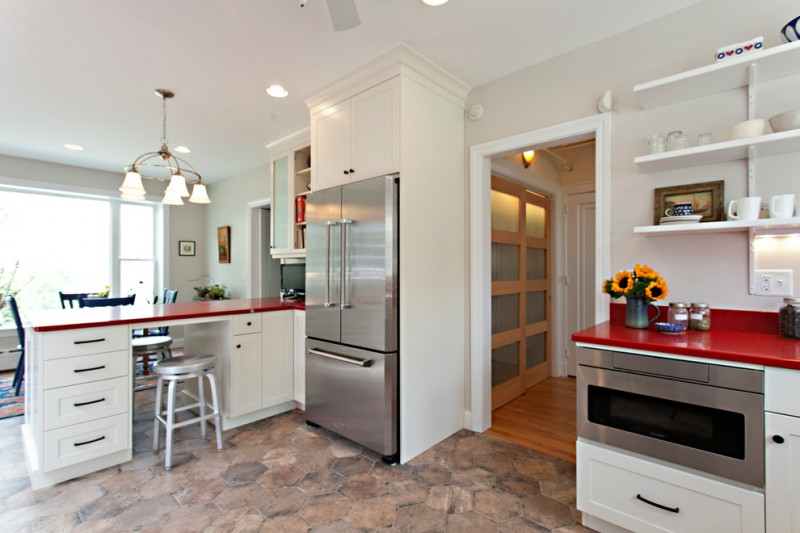 Brosco Doors for Scandinavian Kitchen with Red Accents