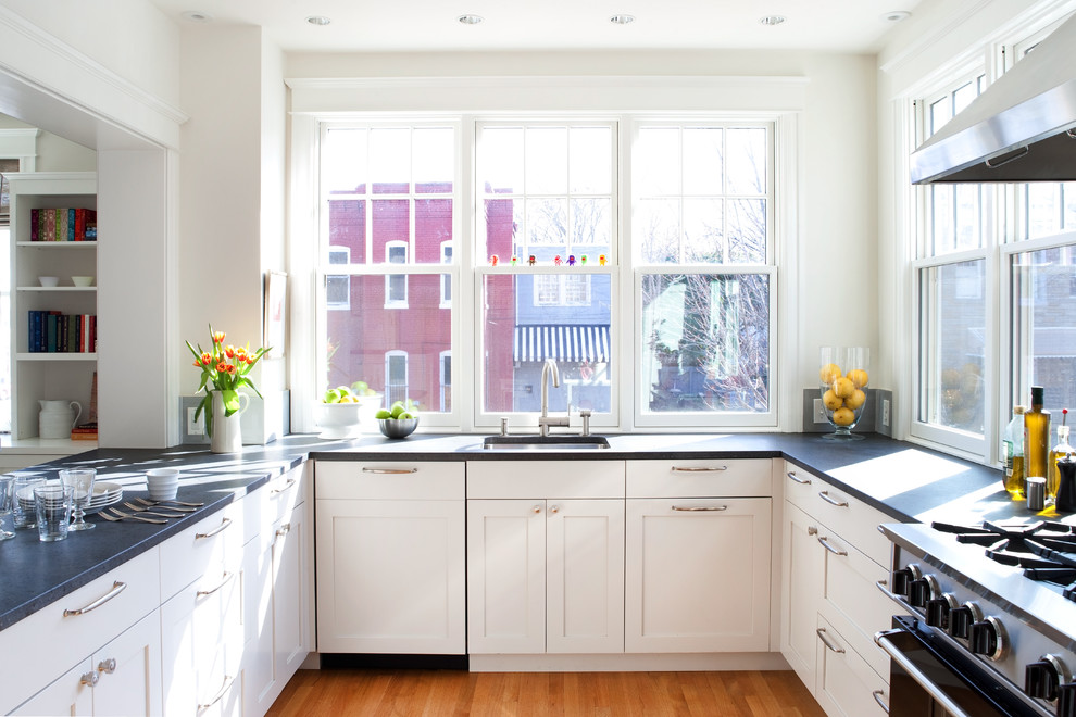 Cabinet Knob Placement for Traditional Kitchen with Peninsula