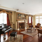 Classical Kusc for Traditional Living Room with Recessed Lighting