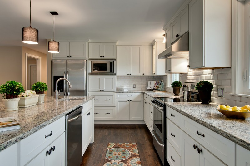 Cliq for Traditional Kitchen with Beveled Subway Tiles