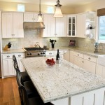 Colonial Cream Granite for Traditional Kitchen with Kitchen Island